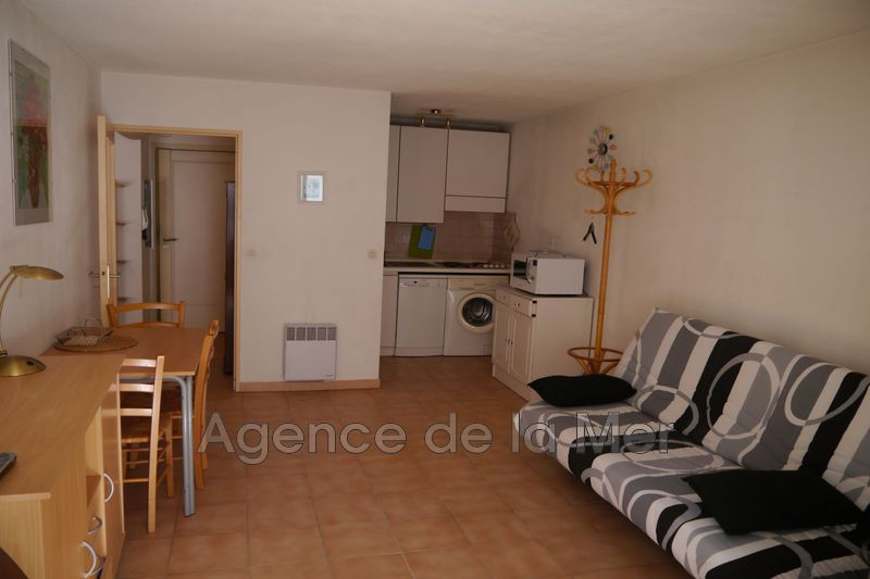 appartement  2 rooms  Juan-les-Pins Downtown  38 m² -