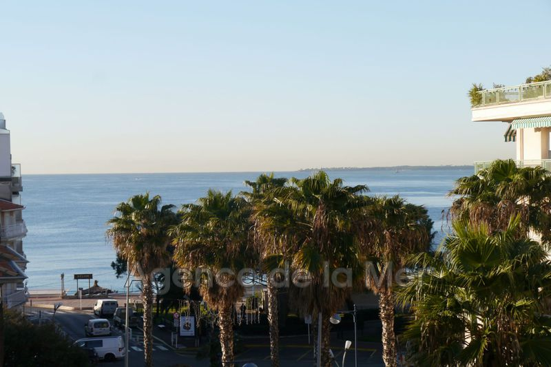 appartement  2 rooms  Juan-les-Pins Downtown  36 m² -
