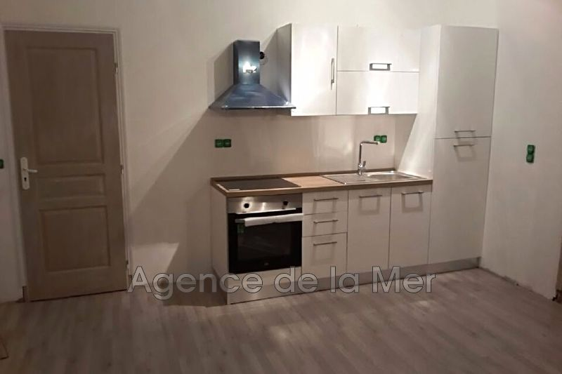 appartement  3 rooms  Juan-les-Pins Downtown  49 m² -