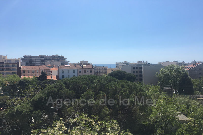 appartement  3 rooms  Juan-les-Pins Downtown  65 m² -