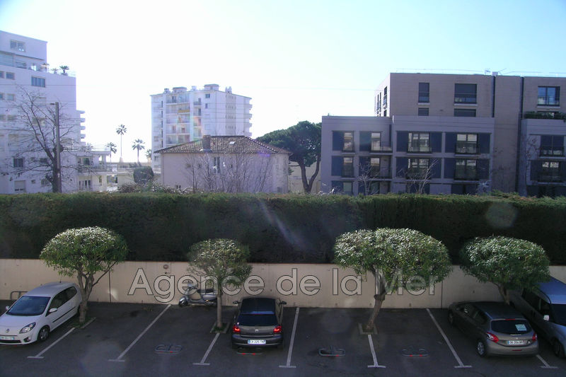 appartement  3 rooms  Juan-les-Pins Downtown  64m² -