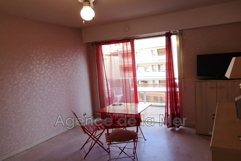 appartement  studio  Juan-les-Pins Centre-ville  19 m² -
