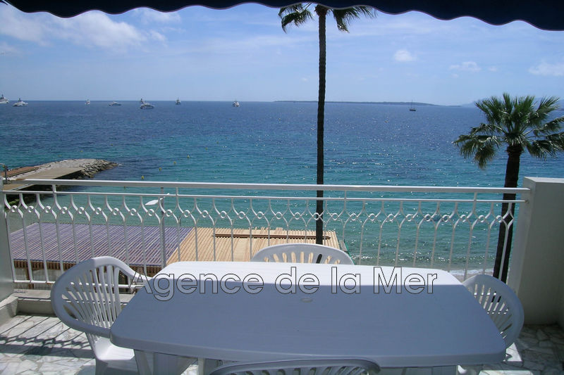 Photo Apartment Juan-les-Pins Bord de mer,   to buy apartment  2 room   41 m²