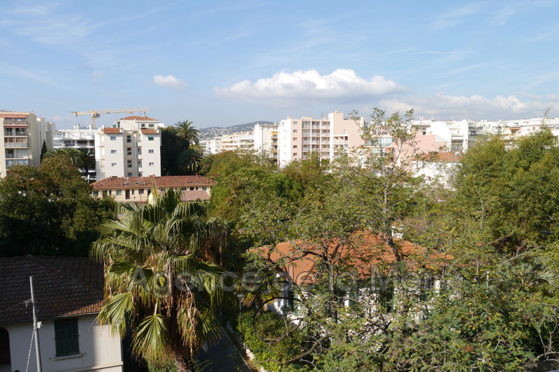 Photo Apartment Juan-les-Pins Centre-ville,   to buy apartment  2 room   40 m²