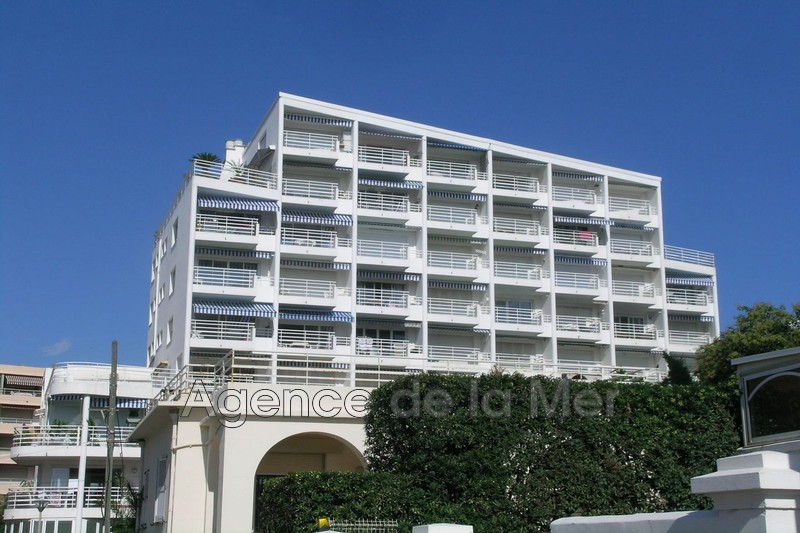 appartement  1 room  Juan-les-Pins Seaside  31 m² -
