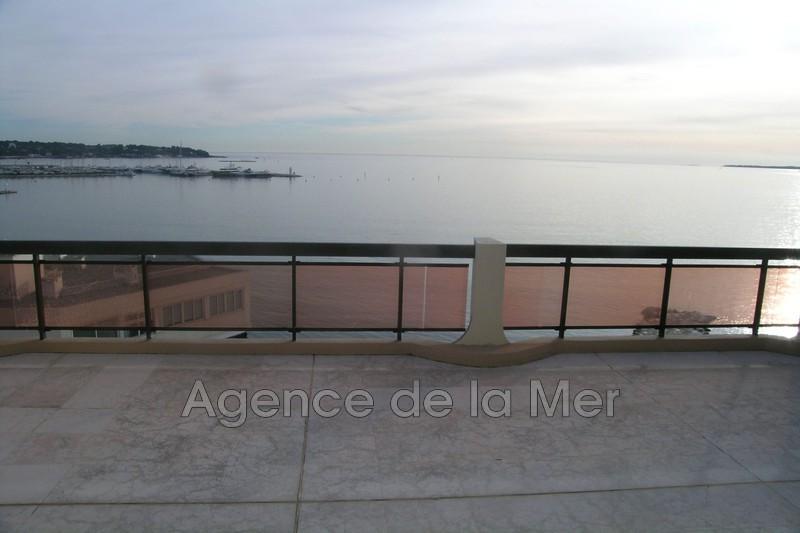 appartement  3 pièces  Juan-les-Pins Bord de mer  75m² -