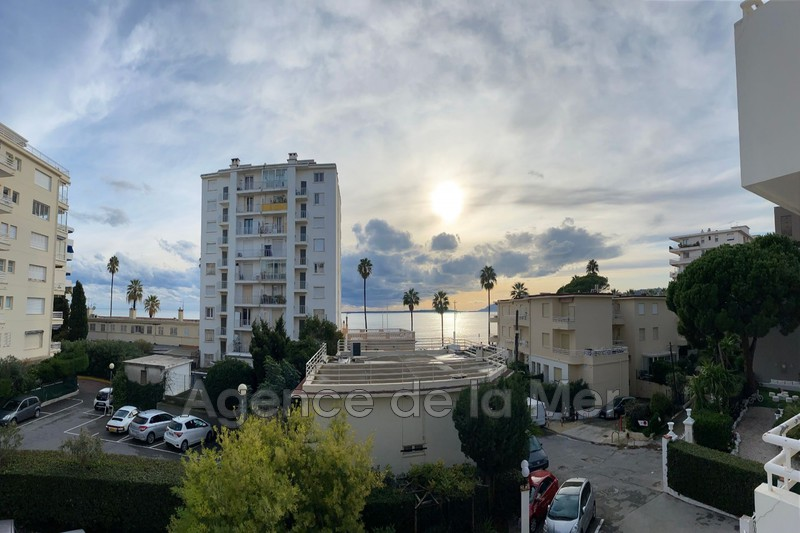 appartement  2 rooms  Juan-les-Pins Seaside  33 m² -