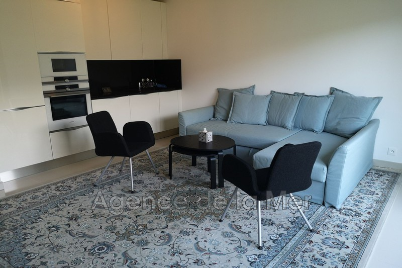 appartement  1 room  Juan-les-Pins Seaside  30 m² -