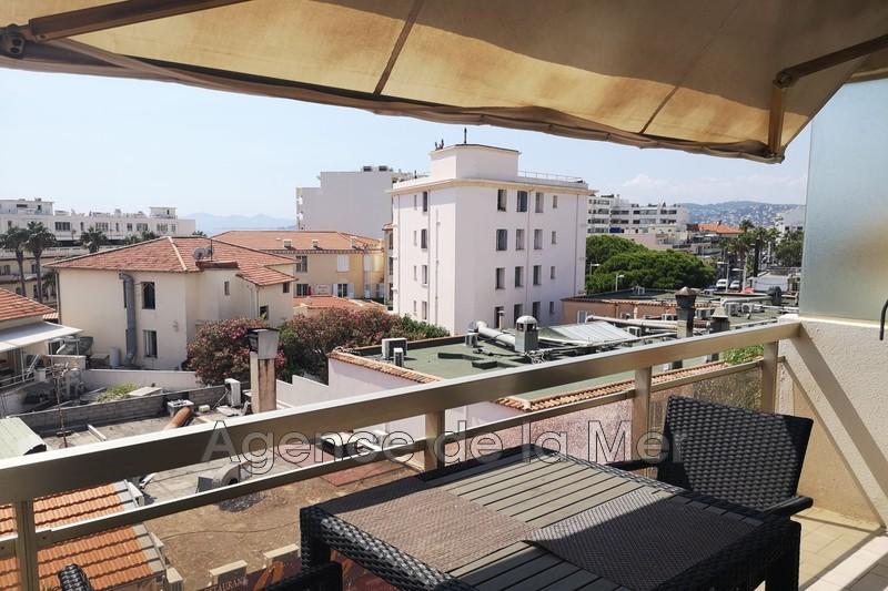 appartement  1 room  Juan-les-Pins Pine-wood  27m² -