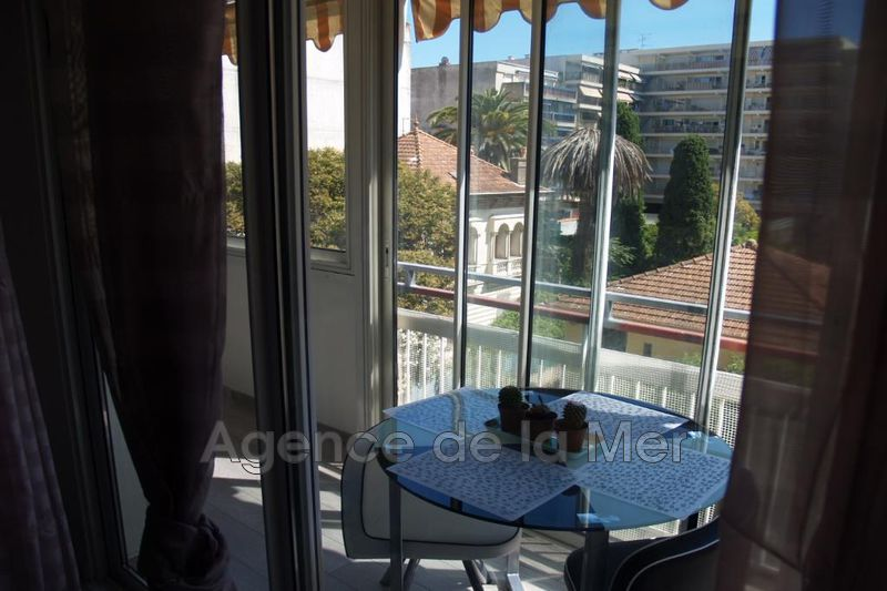 appartement  2 rooms  Juan-les-Pins Downtown  28 m² -