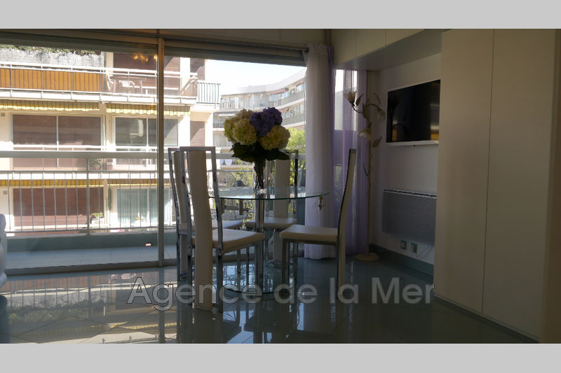 Photo n°2 - Vente appartement Juan-les-Pins 06160 - 169 000 €