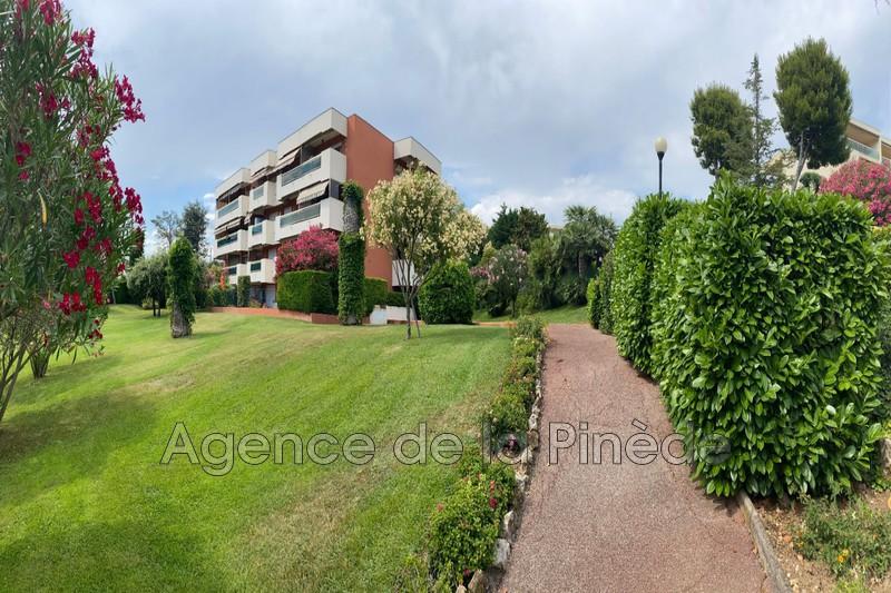 appartement  1 room  Juan-les-Pins Downtown  28m² -