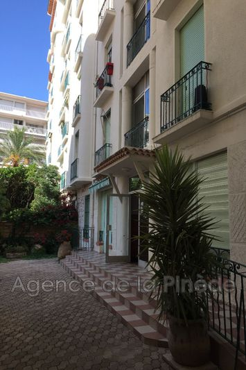 appartement  2 rooms  Juan-les-Pins Downtown  49 m² -