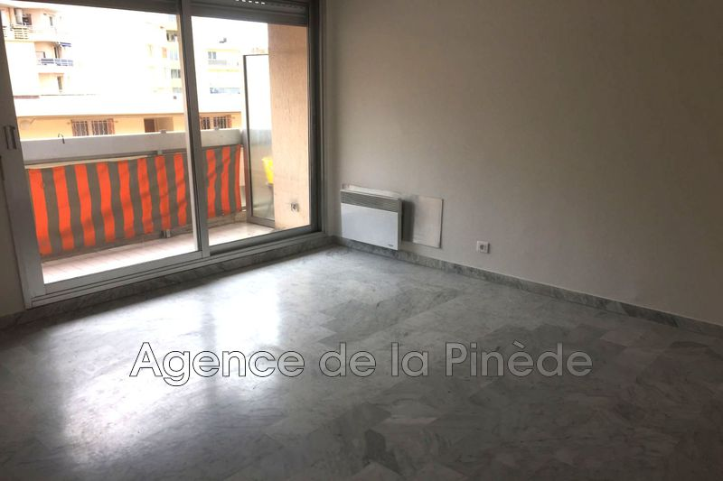 appartement  studio  Juan-les-Pins Centre-ville  27 m² -