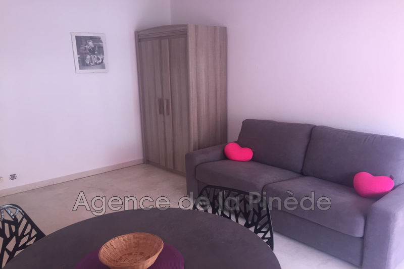 appartement  1 room  Juan-les-Pins Downtown  20 m² -