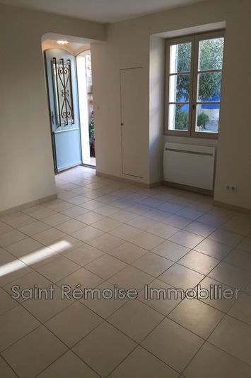 Photo n°2 - Location maison de village Saint-Rémy-de-Provence 13210 - 1 000 €