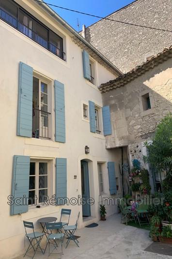 Photo Maison de village Saint-Rémy-de-Provence  Location maison de village  3 chambres   105m²
