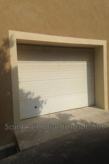 Photo n°1 - Location garage Saint-Rémy-de-Provence 13210 - 250 €