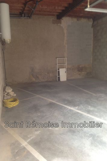 Photo n°3 - Location garage Saint-Rémy-de-Provence 13210 - 250 €