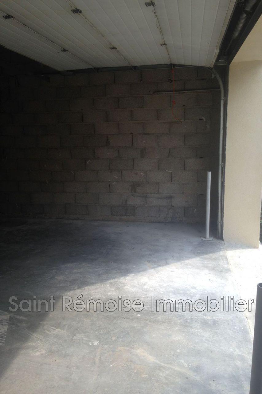 garage saint r my de provence hire garage. Black Bedroom Furniture Sets. Home Design Ideas