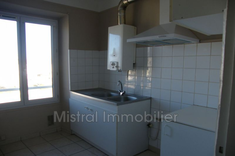 Photo n°2 - Location appartement Pont st esprit 30130 - 390 €