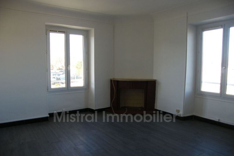 Photo n°3 - Location appartement Pont st esprit 30130 - 390 €