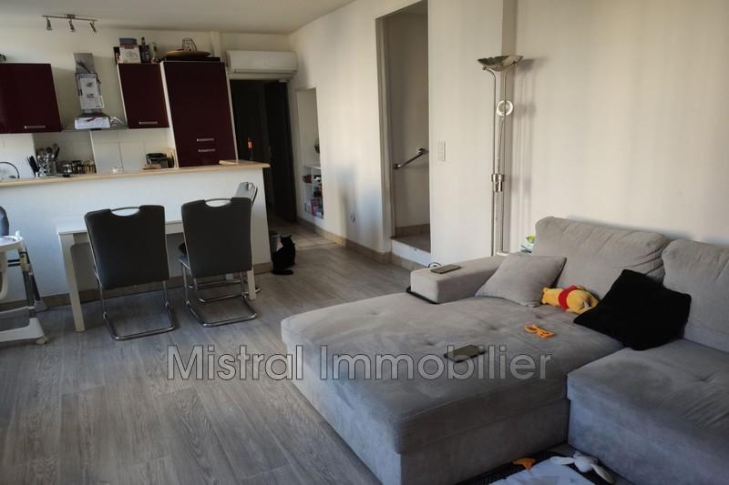 Photo Appartement Pont-Saint-Esprit  Location appartement  4 pièces   67m²