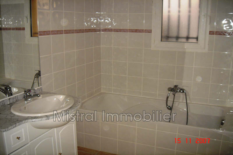 Photo n°2 - Location Maison villa Pont-Saint-Esprit 30130 - 814 €