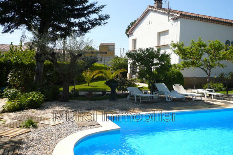 Photo Villa Pont-Saint-Esprit Gard rhodanien,   achat villa  4 chambres   180m²