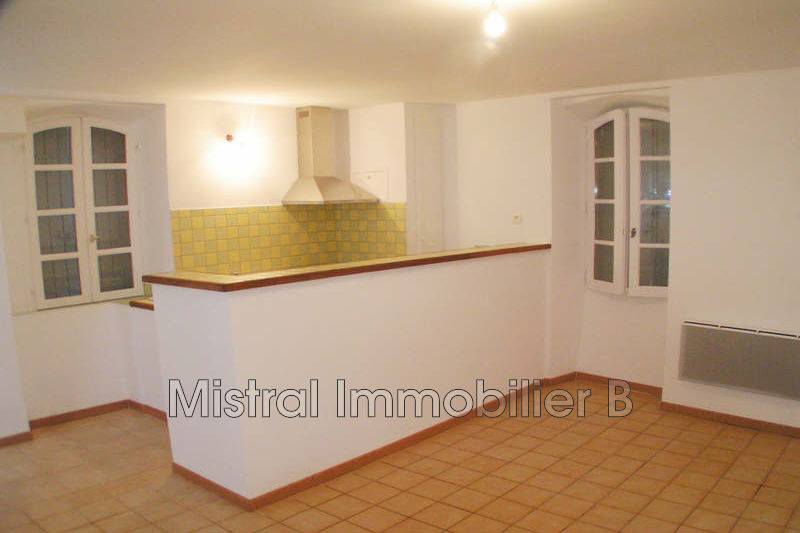 Photo Appartement Saint-Victor-la-Coste Val de tave,  Location appartement  2 pièces   34 m²