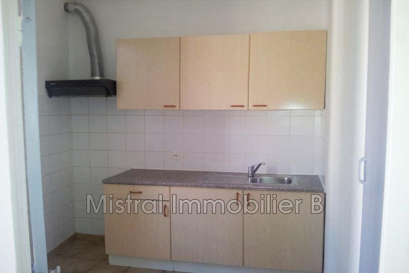 Photo Appartement Bagnols-sur-Cèze Gard rhodanien,  Location appartement  3 pièces   44m²