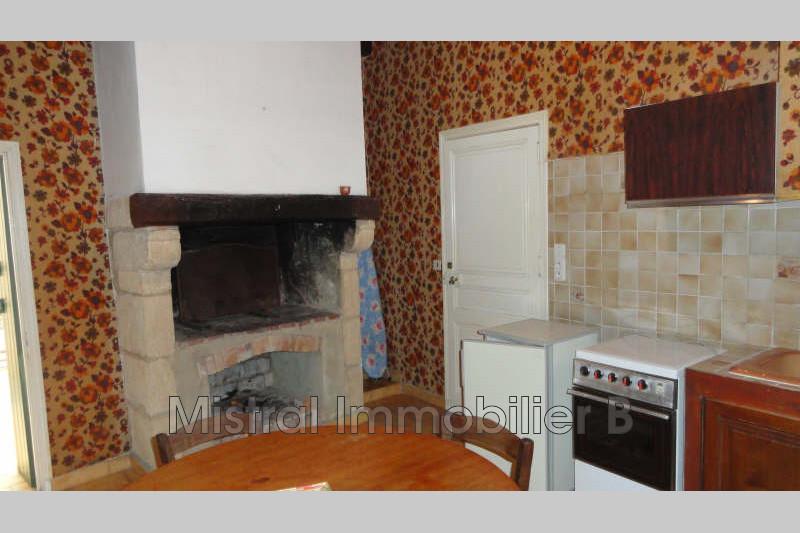 Photo Appartement Bagnols-sur-Cèze Bagnols sur ceze ville,  Location appartement  2 pièces   38m²
