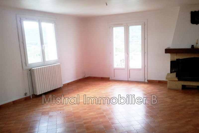 Photo Appartement Sabran Vallée de la cèze,  Location appartement  4 pièces   85 m²