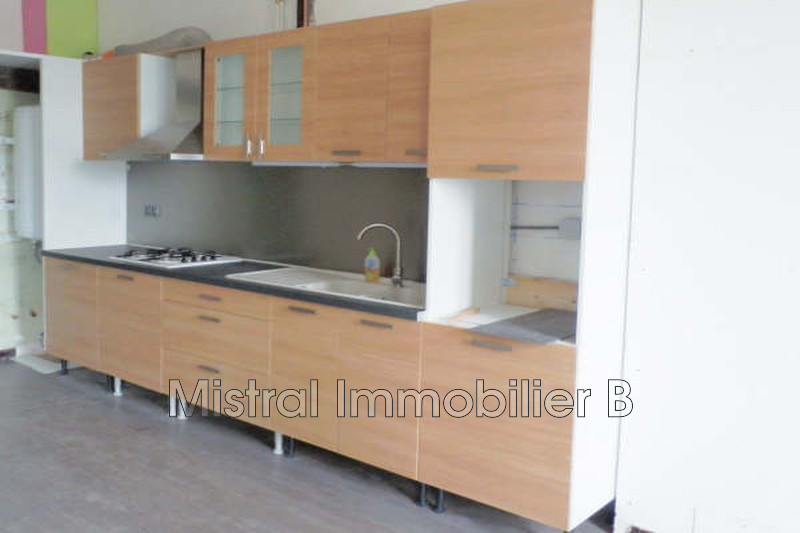 Photo Appartement Bagnols-sur-Cèze Gard rhodanien,  Location appartement  3 pièces   80m²