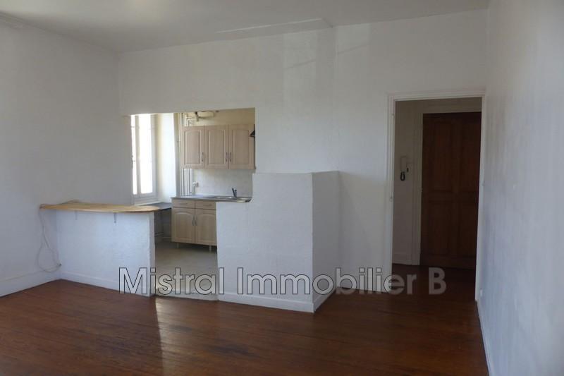 Photo Appartement Bagnols-sur-Cèze Gard rhodanien,  Location appartement  2 pièces   38m²