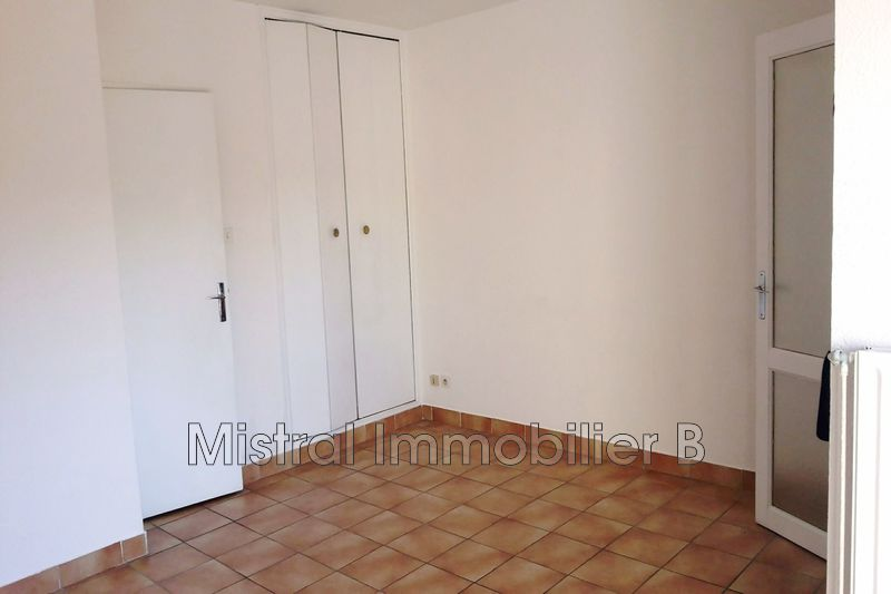 Photo n°2 - Vente appartement Bagnols-sur-Cèze 30200 - 39 500 €