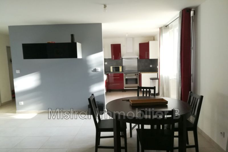 Photo Appartement Bagnols-sur-Cèze Gard rhodanien,   achat appartement  3 pièces   52m²