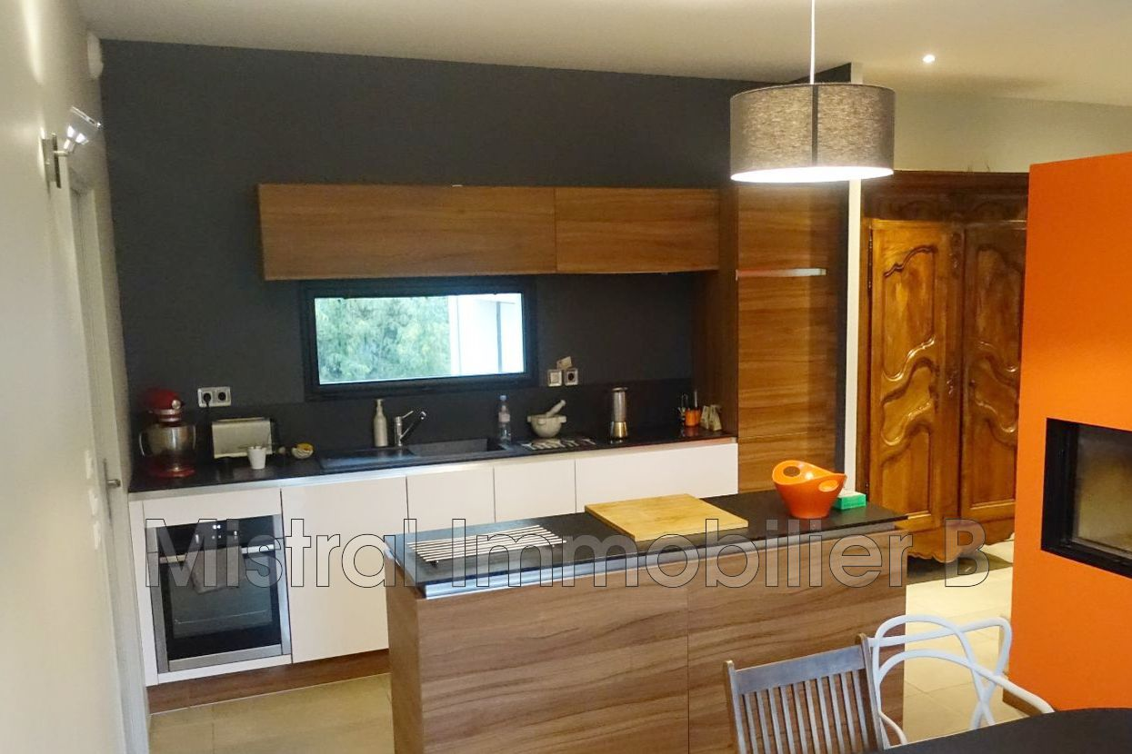 maison bagnols sur c ze gard rhodanien achat maison 3 chambres 120 m. Black Bedroom Furniture Sets. Home Design Ideas