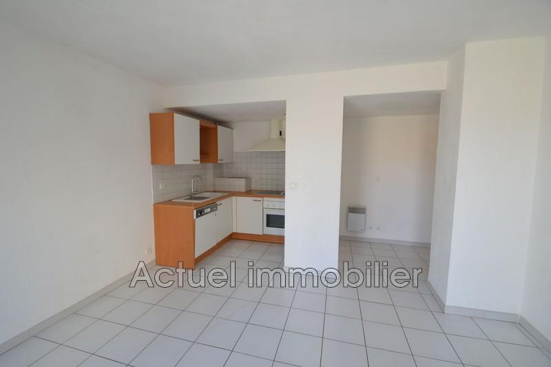 Location appartement Aix-en-Provence  Appartement Aix-en-Provence Centre-ville,  Location appartement  2 pièces   37m²