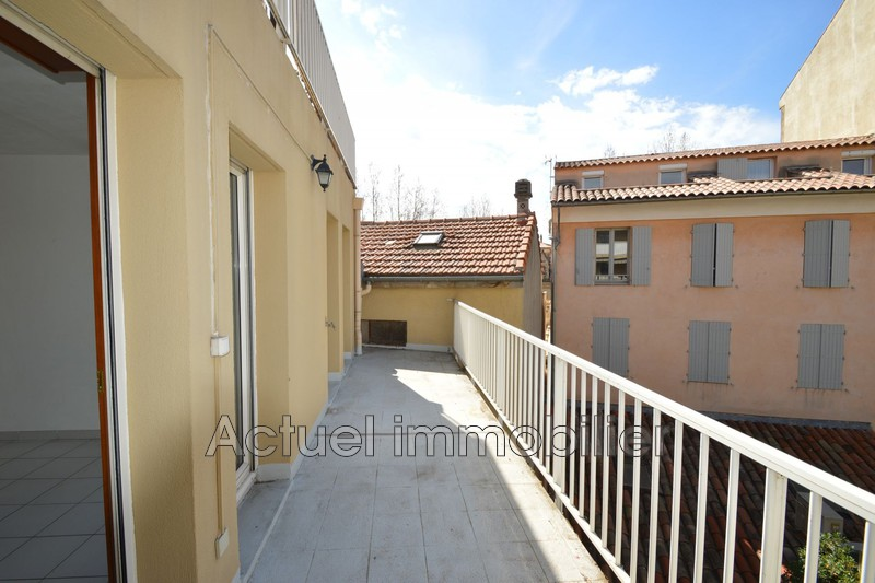 Location appartement Aix-en-Provence  Apartment Aix-en-Provence Centre-ville,  Rentals apartment  2 rooms   37 m²