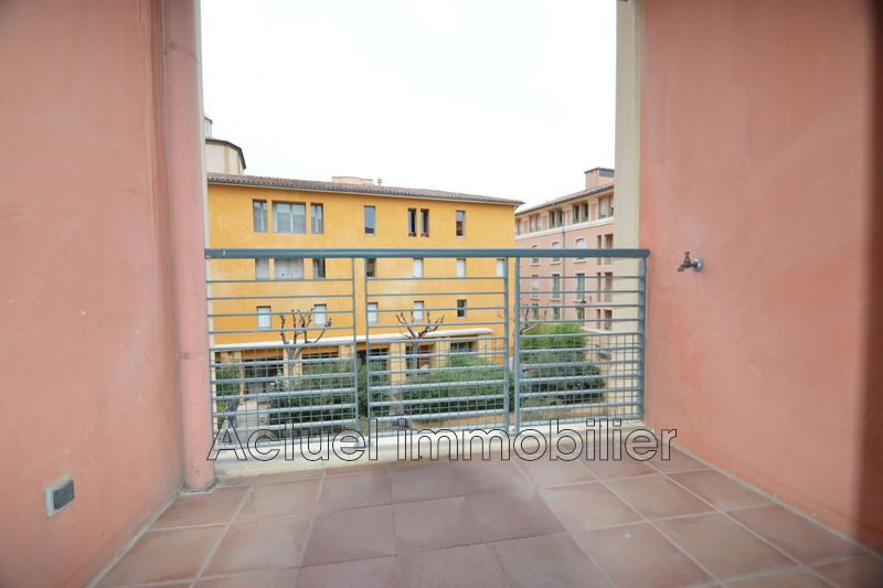 Location appartement Aix-en-Provence  Apartment Aix-en-Provence Centre-ville,  Rentals apartment  2 rooms   33 m²
