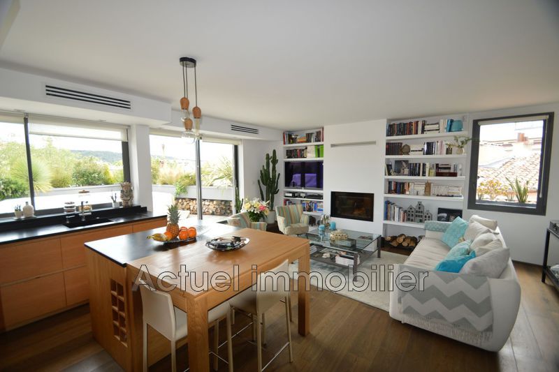 Location appartement Aix-en-Provence  Appartement Aix-en-Provence Centre-ville,  Location appartement  2 pièces   72m²