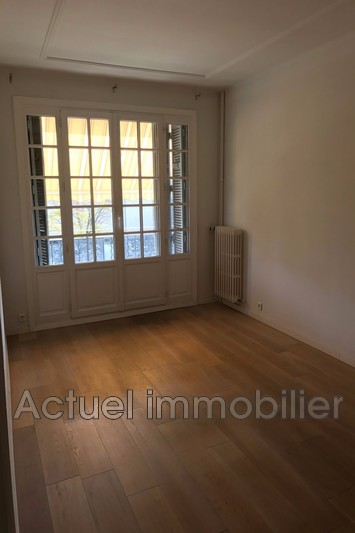 Location appartement Aix-en-Provence  Appartement Aix-en-Provence Centre-ville,  Location appartement  3 pièces   57m²