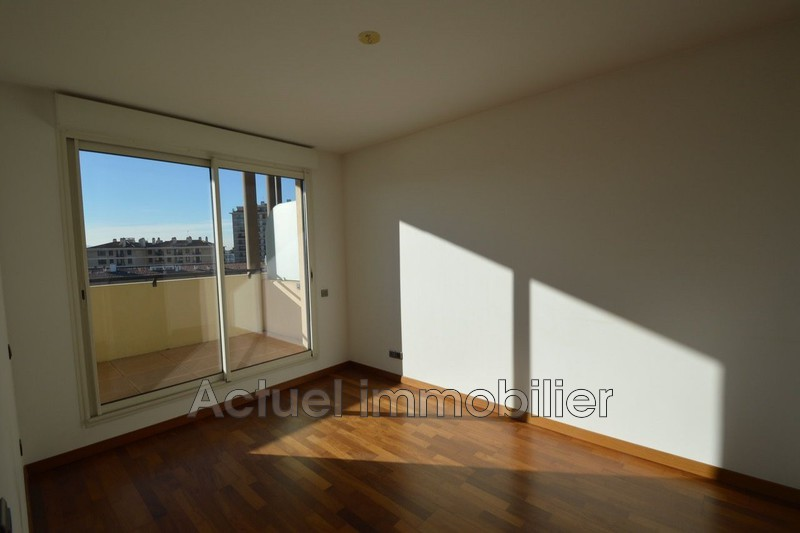 Location appartement Aix-en-Provence DSC_0002