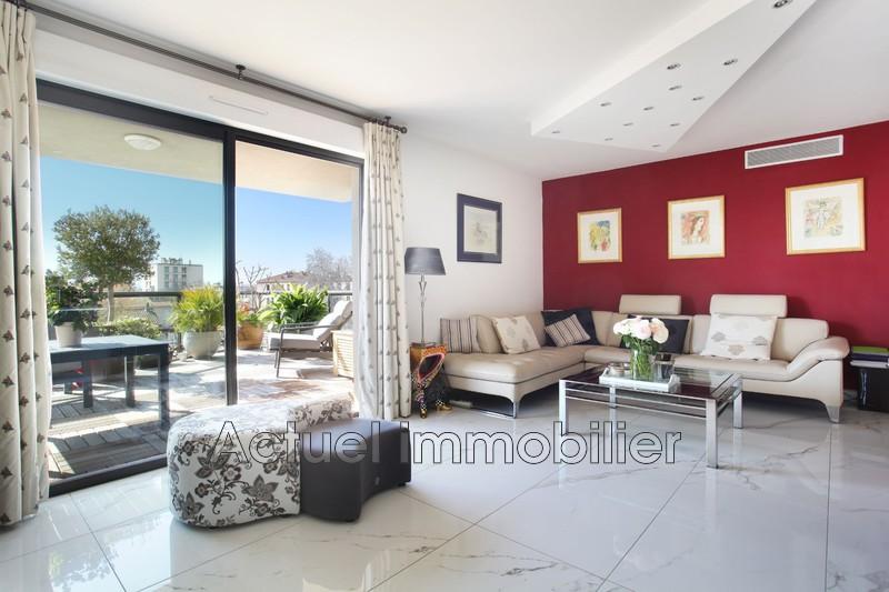 Vente appartement Aix-en-Provence SEJOUR3.JPG