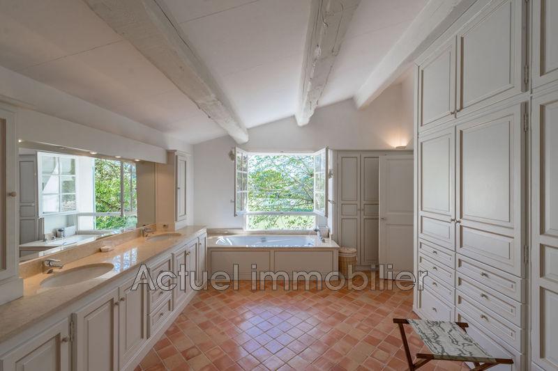 Vente propriété Aix-en-Provence Salle de bain principale