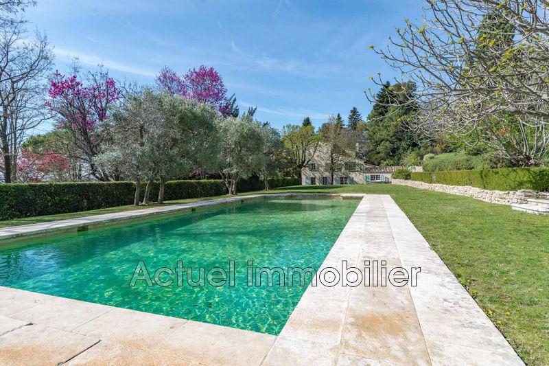 Vente propriété Aix-en-Provence Piscine vue maison