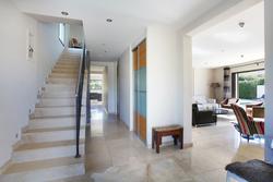 Vente maison contemporaine Aix-en-Provence ENTREE1.JPG