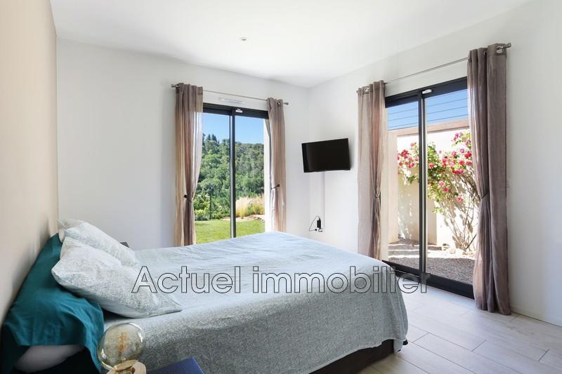 Vente maison contemporaine Aix-en-Provence CHAMBRE2.JPG