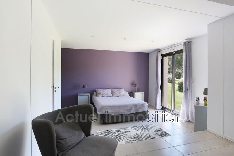 Vente maison contemporaine Aix-en-Provence CHAMBRE6.JPG